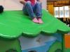 Zufrieden darüber, es bis aufs Dach geschafft zu haben. (Indoorspielplatz Starbie, 13. Mai)