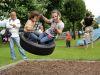 Lieblingsbeschäftigung Schaukeln (Spielplatz Tenero)